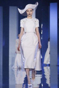 Ralph-and-Russo-Paris-Couture-FW14-2699-1405001346-thumb-200x300